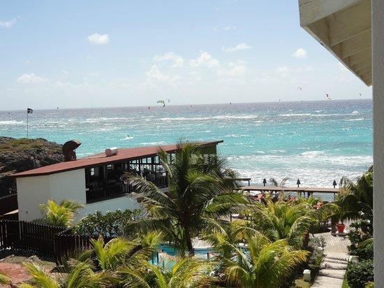 """Silver Point Hotel:                   """"Vue partielle"""" sur la mer depuis le balcon"""