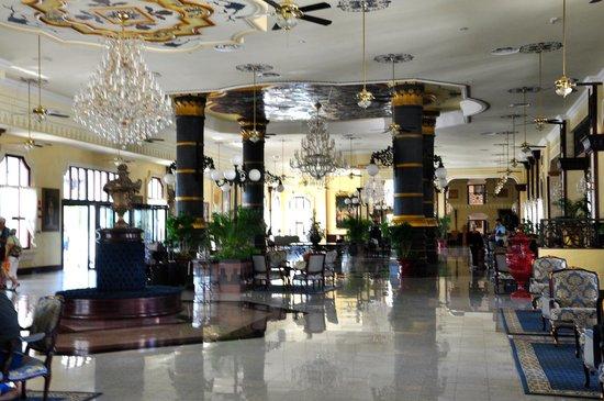 أر أي يو بالاس بونتا كانا - أول إنكلوسف:                                     main lobby                                  