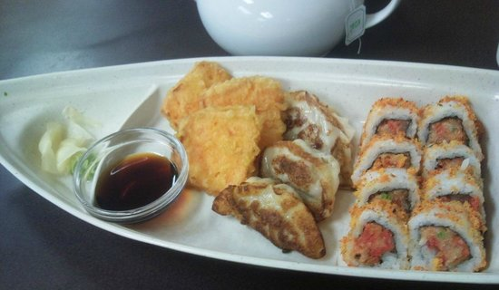 Lee's Overseas Delights :                   the D-boat: Yam tempura, Gyoza, Hurricane Rolls