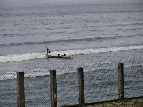 Ensuenos Del Mar S.A.: Surfing Honduran style