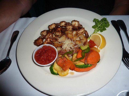 Borrell Creek Landing: Blackened shrimp platter