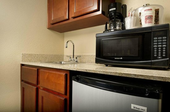 Comfort Suites Waco North: In Room Wet Bar