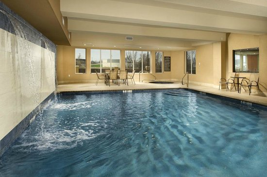 Comfort Suites Waco North: Swimming Pool