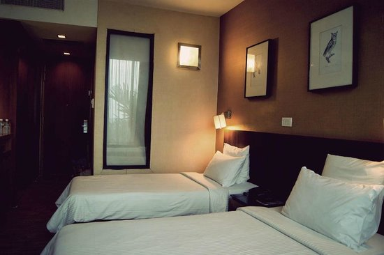 Siloso Beach Resort Sentosa: Twin bedded room