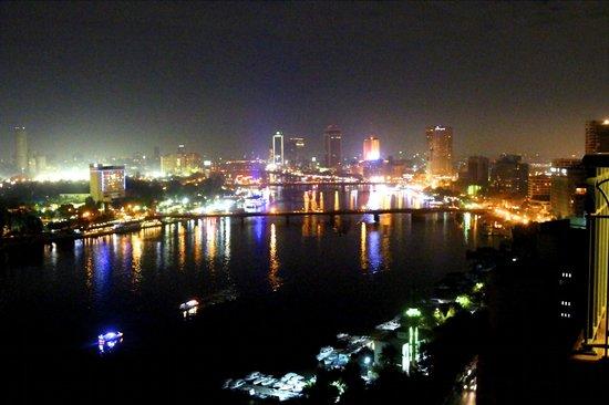 فور سيزونز القاهرة في نايل بلازا:                   Our view - Nile                 