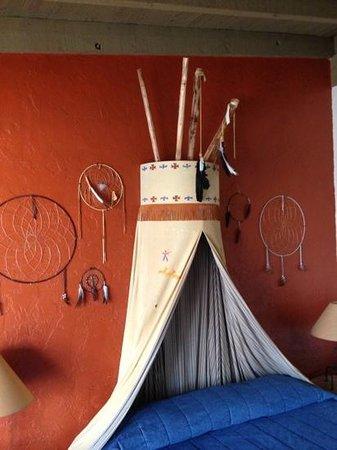 Esplendor Resort at Rio Rico:                   My way to camp out!
