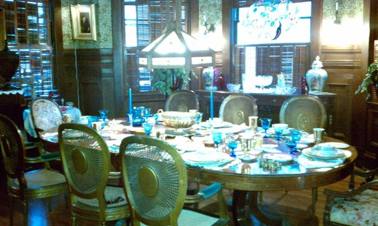 Amsterdam's Curry Mansion Inn:                   Dining Room