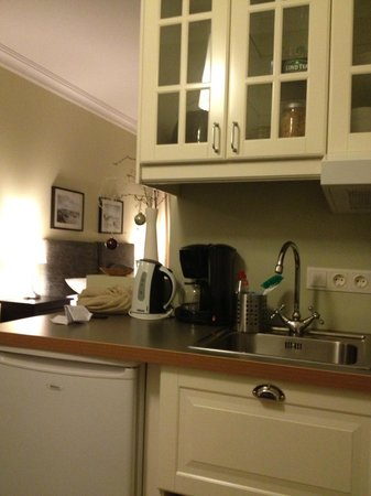 Reykjavik Residence Hotel:                   kitchen- good coffee and herbal tea