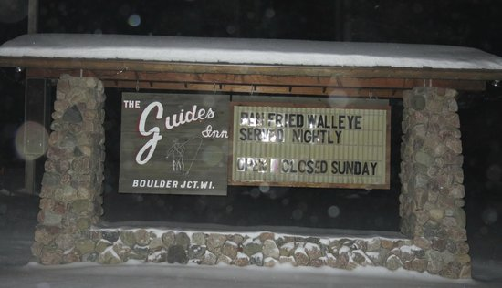 """Guide's Inn: Sign from the road """"Don't Miss IT"""""""