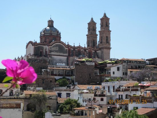 Acapulco Rosie's Tours:                   View of Taxco, a fascinating 16th century city.