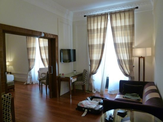 UNA Hotel Roma:                   suite room