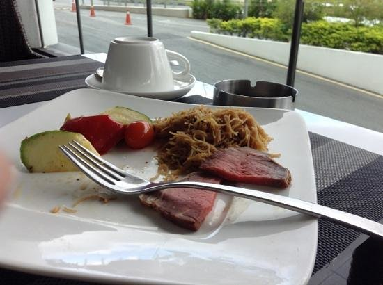 Pullman Kuching:                   cheap breakfast in 5 star hotel