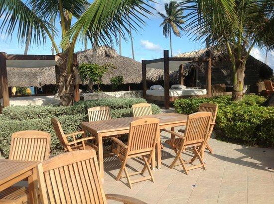 Majestic Elegance Punta Cana:                                     Elegance club poolside