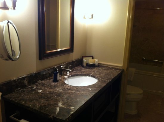 Inn at Lambertville Station: Vanity