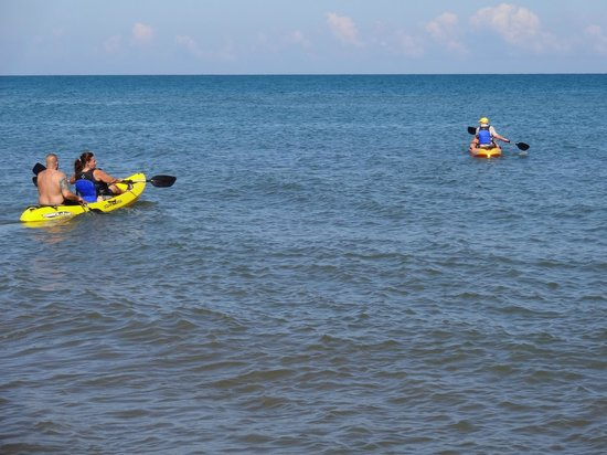Ensuenos Del Mar S.A.: Try our kayaks