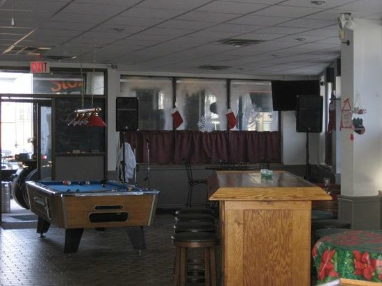 Dempsey's Bar & Grill : Newer pool table arrived in January