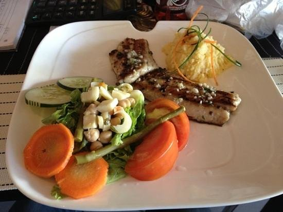 Restaurante Mira Miro :                                     corvina al gusto