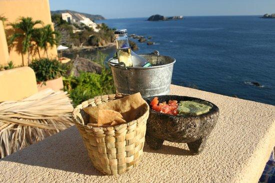 Cala de Mar Resort & Spa Ixtapa:                   Chips