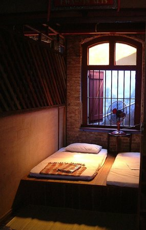 100 Cintra Street: A single occupancy room