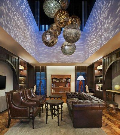 Vana Belle, A Luxury Collection Resort, Koh Samui: Library