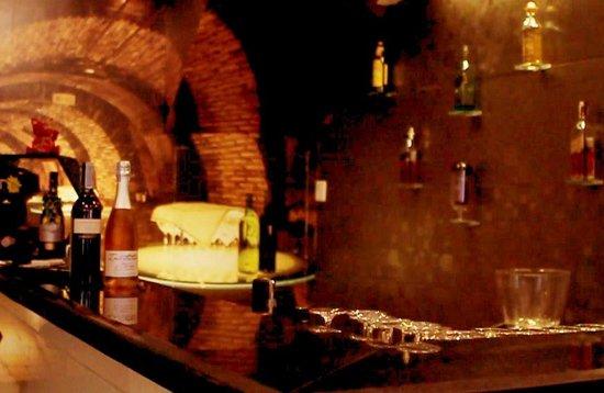 SIP Wine Bar & Tasting: The Bar