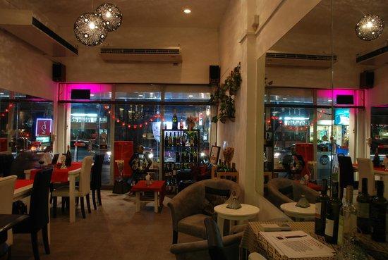 SIP Wine Bar & Tasting: Cozy