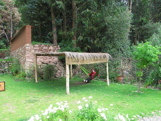 Apu Lodge: HAMACA PARAGUAYA EN EL JARDIN