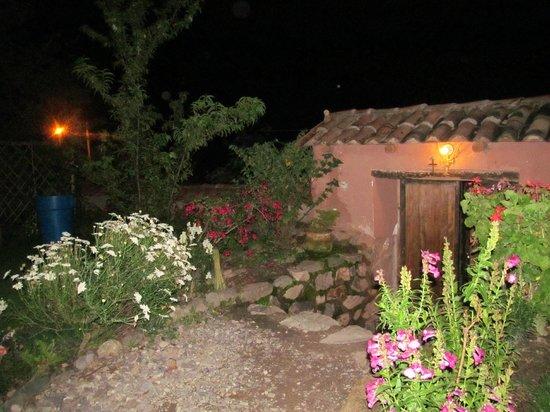 Apu Lodge: ENTRADA DE NOCHE