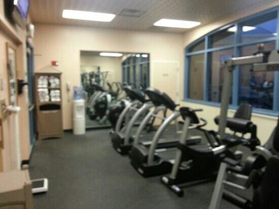 Holiday Inn Hotel & Suites Council Bluffs-I-29: Workout Room - shared between Holiday and AmeriStar
