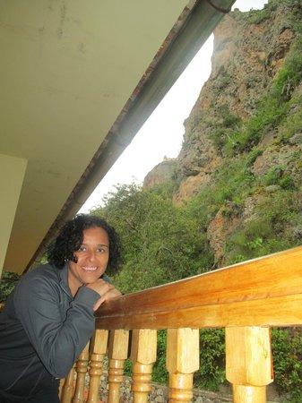 """Apu Lodge: VISTA DESDE EL BALCON DE LA HABITACION, JUSTO DEBAJO DE """"TUNUPA"""""""