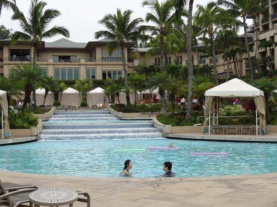 The Ritz-Carlton, Kapalua :                   pool