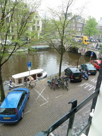 The Toren: View out of the window onto the canal