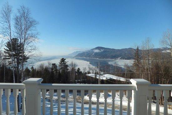 Nature et Pinceaux : Vue du balcon et de la chambre Montagnarde