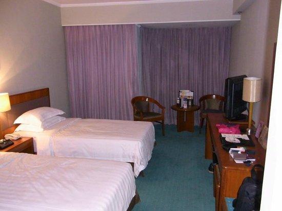 Metropark Hotel:                   客室