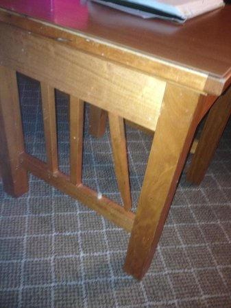 Staybridge Suites Hotel Tulsa - Woodland Hills:                   broken furniture
