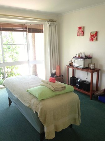 Byron Women's Retreat: Day Spa - Pamper treatment room