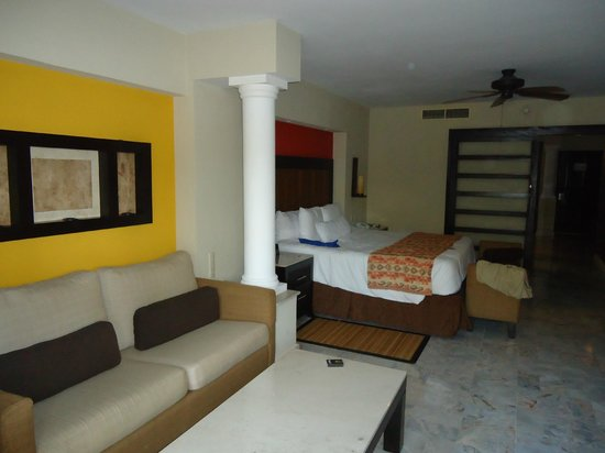 Barcelo Puerto Vallarta:                   Our bedroom and sitting area