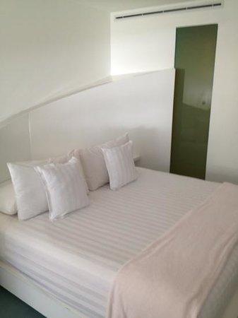 روم ميت فالنتينا: bedroom