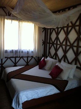 ViewPoint Lodge & Fine Cuisines: bedroom - nice mix of modern and classical