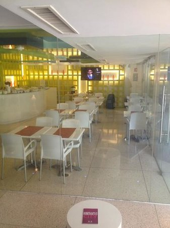 روم ميت فالنتينا: dining area