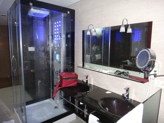 Hotel Foz do Iguacu:                   Banheiro da Suite Royal