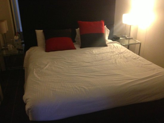 Novotel Sydney Parramatta:                   Bedroom - reasonably comfortable.