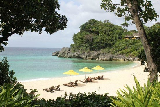 Shangri-La's Boracay Resort & Spa: The classic shot - it's as beautiful as it looks