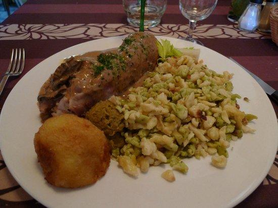 Metzgerstuwa :                   Pig's foot and spatzle