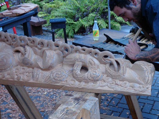 Xquizit Day Tours:                   wood carving at cultural village Routoura