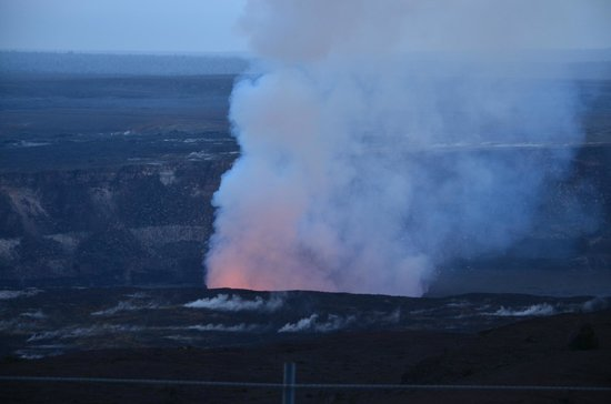Discover Hawaii Tours: Lava glow just before sunset