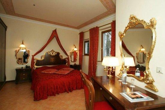 SensCity Hotel Albergo: Gästezimmer