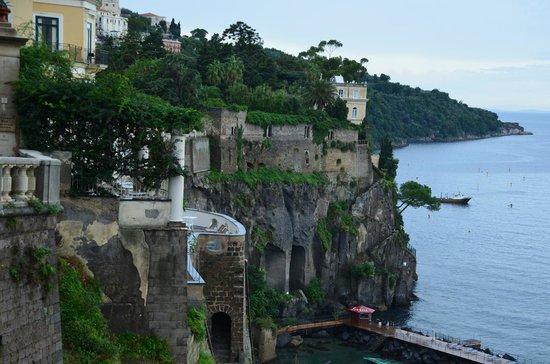 Garbo Limousine Service Tours:                                     Amalfi Coast