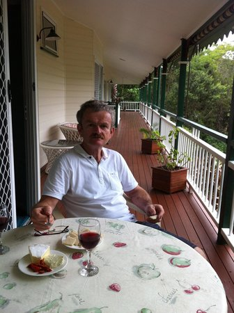 Eumundi Rise Bed & Breakfast:                   Peter enjoy quiet