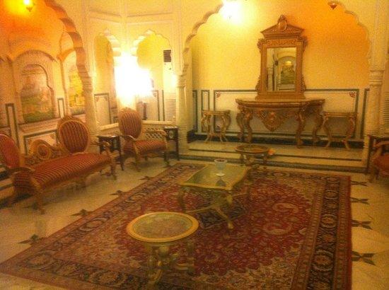 Shahpura House: Lobby